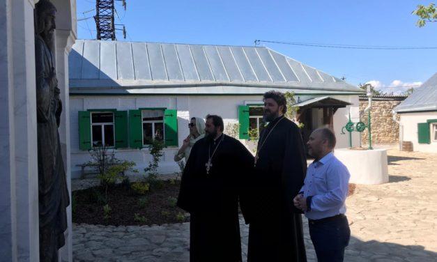 Архитектурно-искусствоведческая комиссия Донской митрополии посетила подворье и келью праведного Павла Таганрогского