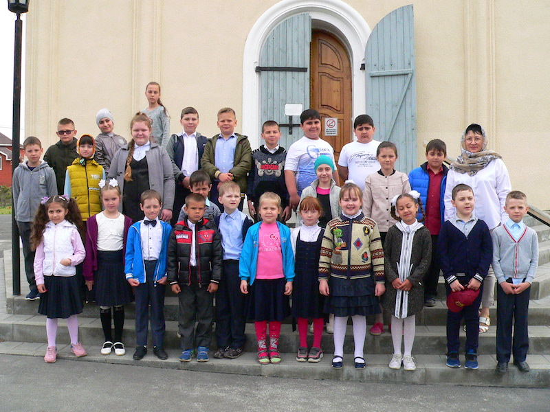 В дни Светлой седмицы ученики Сухо-Сарматской школы с. Андреево-Мелентьево посетили Магдалининский храм