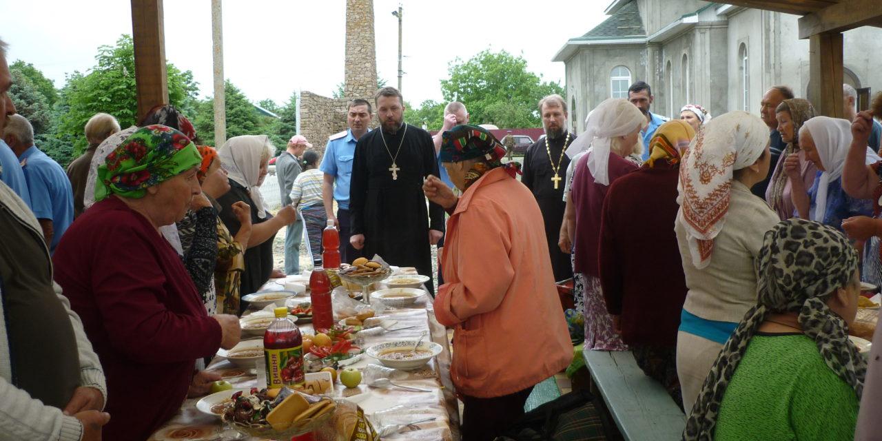 Прихожане Никольского храма села Весёло-Вознесенка Неклиновского района отметили престольный праздник.