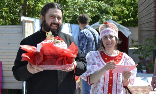 В день Жён-мироносиц Георгиевском храме состоялся семейный праздник и благотворительная ярмарка