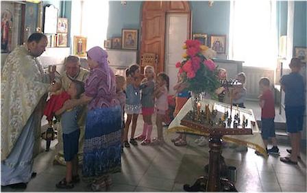 Воспитанники детского сада посетили Магдалининский храм и поучаствовали в Таинстве Причащения