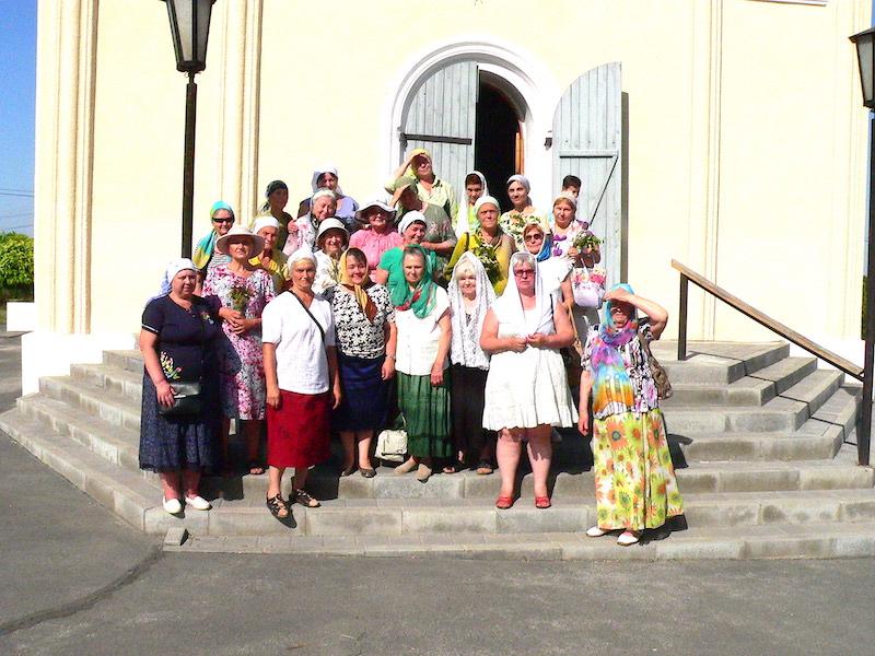 Магдалининский храм посетили c экскурсией паломники из Таганрога