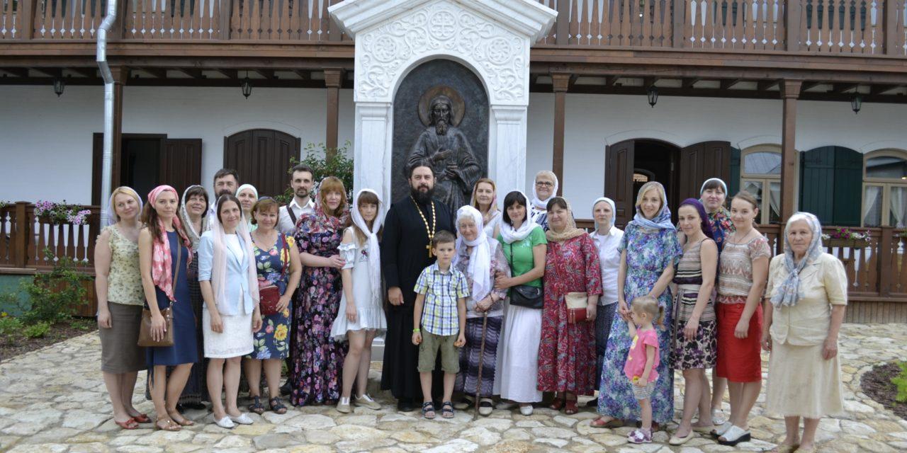 3 июня на подворье кельи праведного Павла Таганрогского состоялось собрание педагогического коллектива воскресной школы Георгиевского храма