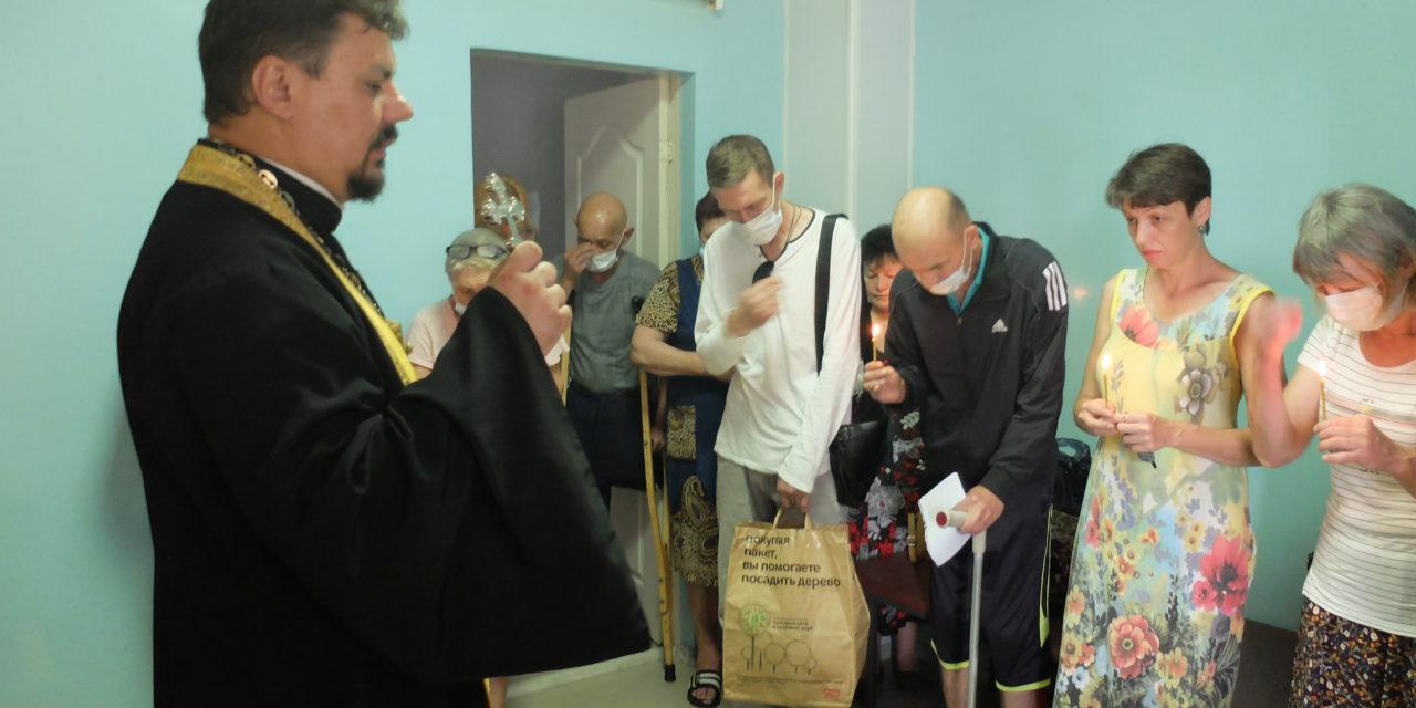 Настоятель Серафимовского прихода посетил Таганрогский противотуберкулезный диспансер