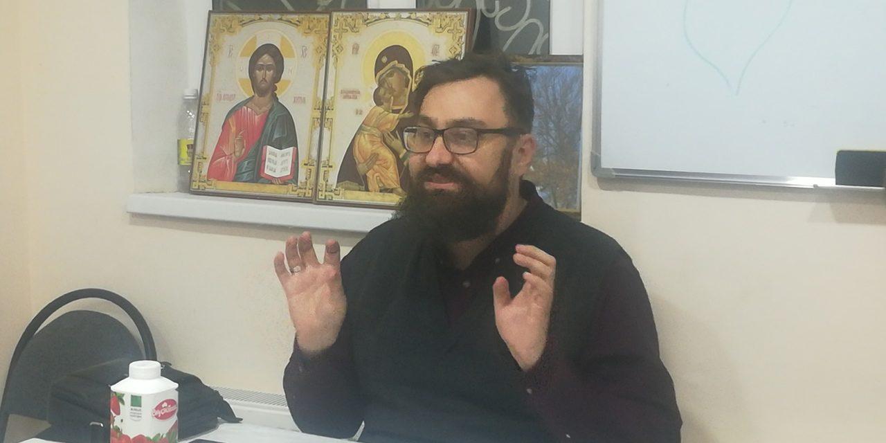 В храме Александра Невского с. Вареновка состоялась встреча с писателем Артемом Перликом