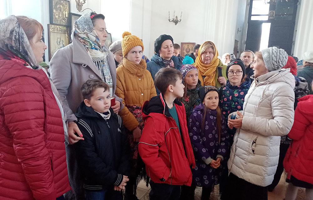 Воспитанники воскресной школы храма Всех святых г.Таганрога совершили паломническую поездку в храм Марии Магдалины с. Красный Десант