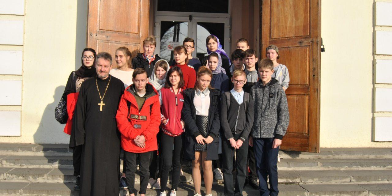 В храме святителя Николая Чудотворца прошло очередное занятие с учащимися Педагогического лицея-интерната Таганрога