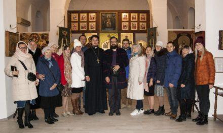 В храме Александра Невского с. Вареновка прошла встреча с писателем Артемом Перликом