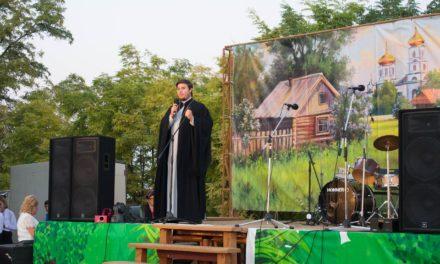 Настоятель храма Александра Невского с. Вареновка принял участие в праздновании Дня села