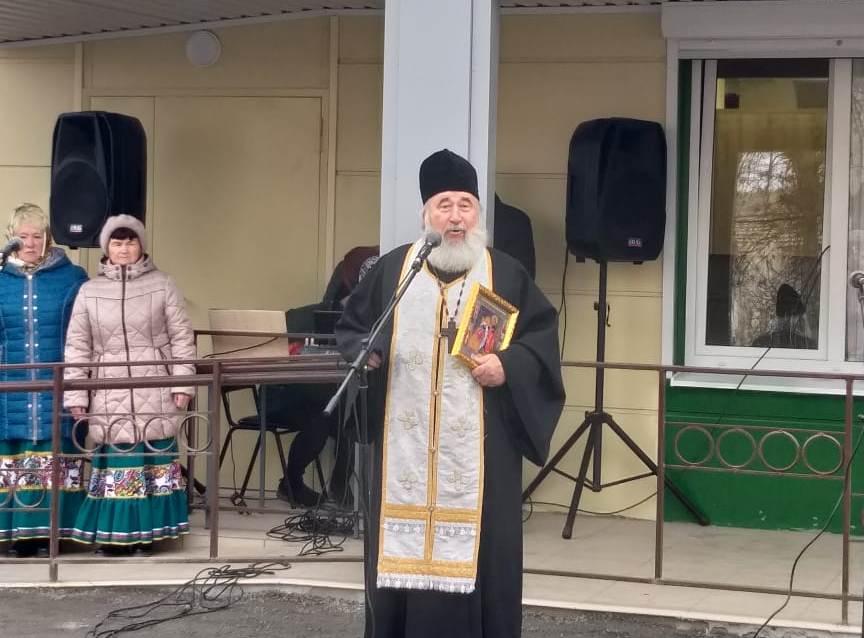 В селе Синявском освящена новая поликлиника