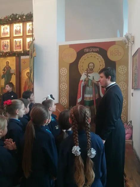В храме Александра Невского с. Вареновка прошло занятие для учеников кадетского класса Вареновской школы
