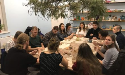 Молодежь благочиния посетила мастерскую «Адама» при Никольском храме г.Таганрога