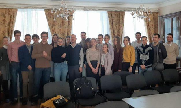 В Георгиевском храме состоялась лекция бизнесмена, многодетного отца  Романа Звенкова