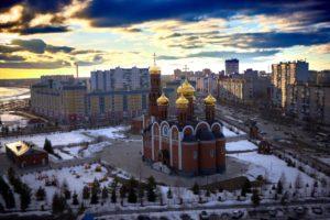 Нижневартовск храм Рождества христова и гимназия