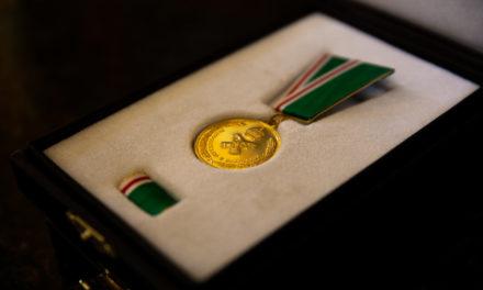 Глава Донской митрополии вручил медали «Патриаршая благодарность» медикам Ростовской области, потрудившимся в борьбе с коронавирусной инфекцией