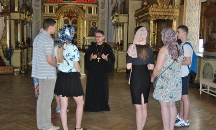Настоятель храма Вознесения Господня совершил экскурсию по храмам г. Таганрога.