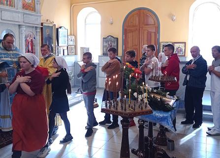 В Литургии в Магдалининском храме с. Андреево-Мелентьево приняли участие ученики Носовской школы