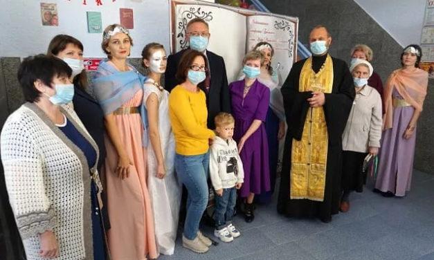 Настоятель Покровского храма с. Покровсое освятил многофункциональную образовательную комнату для детей